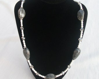 Gray and White Beaded Necklace. Gray Ceramic Beaded Necklace
