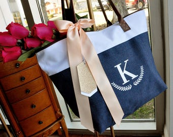 Pre-Order ONLY - Available April/May: Bridesmaid Tote Personalized (Qty. 1).  Bridesmaid Zipper Bag. Monogram Tote Bag.
