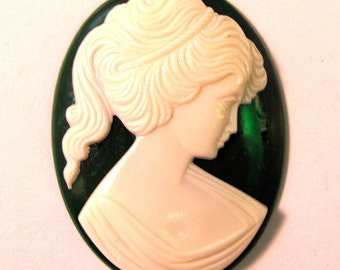 Ivory Green Lady Cameo Cabochon 40X30 mm