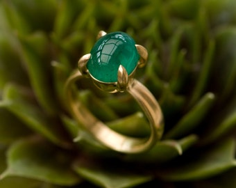 Emerald Gold Ring - Oval Emerald Ring in 18K Gold - Large Emerald Cab Gold Ring - Cabochon Emerald Ring in 18k Gold - Made to Order