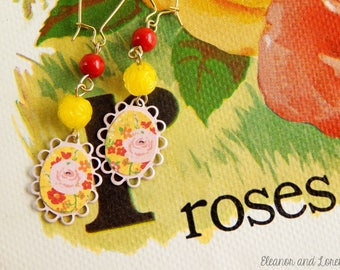 Upcycled shabby earrings / upcycled earrings / cottage chic / shabby chic / flower earrings / shabby jewelry / vintage beads / cameo earring