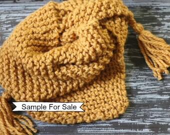 Triangle écharpe en tricot, Triangle pompon écharpe, tricotée écharpe, foulard en Triangle, un Triangle de châle, tricot écharpe Triangle châle, écharpe en tricot