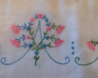Vintage Floral Embroidered Pillow Cases. Set of 2 queen sized