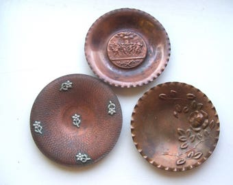 Set of 3 Vintage Small Copper Dishes with Flowers and Cherubs Lorini Milano