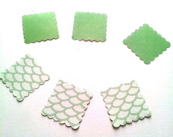 15 square label dentellees in green and white paper