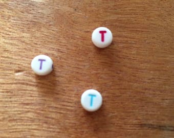 "10 pearls letter ""T"" round acrylic 7 mm"