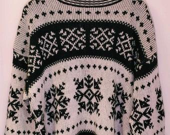 Vintage black and white spirit woolen sweater
