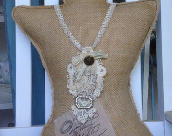 Victorian lace vintage necklace,shabby chic jewelry, tea party jewelry, shabby chic wedding necklace