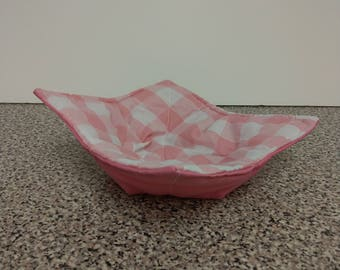 Cosy bowl huggers pink and white chequered.
