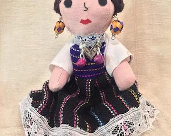 Small Frida Kahlo-Muñeca de tela No.01