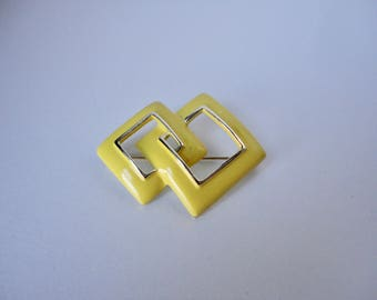1970s Gold Tone and Yellow Enameled Interlocked Squares Brooch/Pin.