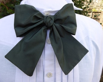 Spruce green silk taffeta cravat, 19th century style