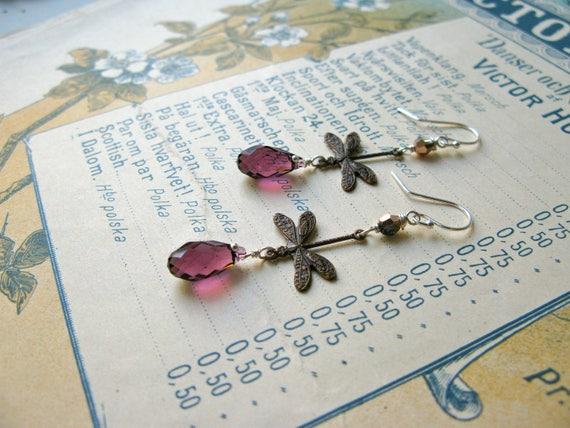Garden earrings in dark a...