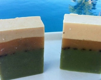 Spearmint Spirulina Handmade Artisan Soap - Handmade in Hawaii