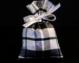Hand-Made Organic French Lavender Sachet - Black&White Plaid
