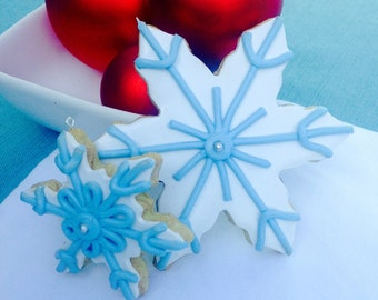Iced Snowflake Sugar Cookie Christmas Ornament, White and Blue Decoration, Faux, Fake Food, Snow, Winter, Holiday Gift, Tree