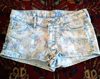 Floral Patterned Denim Shorts Daisy Dukes