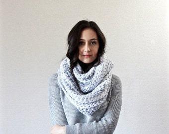 Les Lourdes - marbre / / foulard chunky. écharpe à capuche en tricot. accessoire d'hiver épais automne texturé