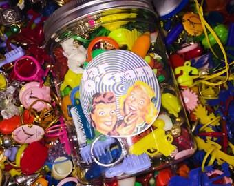 JAR O' CRAZY 150pcs Fantastic Vintage Tiny Plastic Vending Charms & Toys Edition