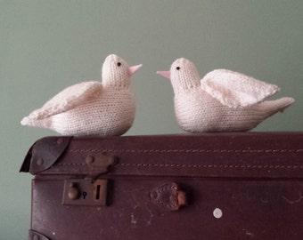 White dove knitting pattern - PDF - cute bird
