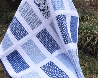 Blue and white baby quilt, baby boy quilt, toddler quilt, baby blanket, baby quilt