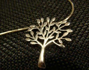 """Sterling """"Tree of Life"""" pendannt on a fine Sterling  20 inch,  snake chain"""