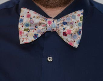 Bow Tie // Resting on your Florals