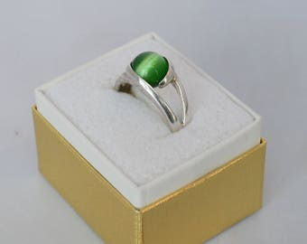 Vintage Art Deco Sterling Silver Ring with Cats Eye Stone Sz 7 1/4