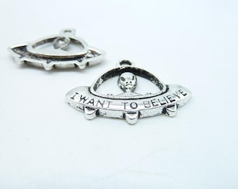 10pcs UFO Charms, Antique Silver I Want To Believe - Alien Space Ship Charms UFO Pendant 22x30mm c7295