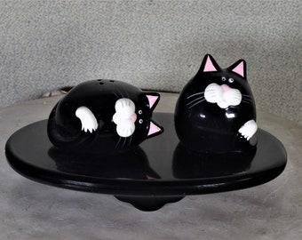 Cat Salt and Pepper Shakers Vintage Made in Japan