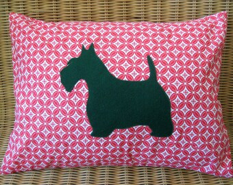 """Christmas Holiday Appliquéd Scottie Dog Pillow, Green Terrier with Red & White Geometric Circle Print, 12"""" x 16"""""""
