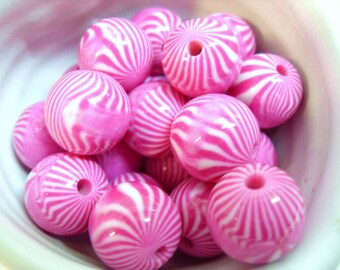 20x 13mm Raspberry Pink Stripe Resin Juicy Globe beads