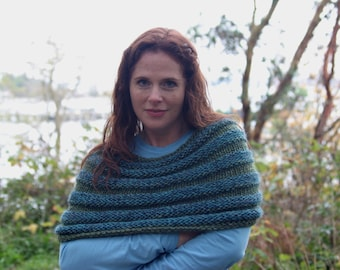Hand-Knit Ribbed Blue-Green Cowl