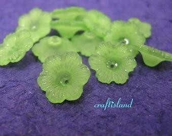 24pc green acrylic flower shape bead-1114