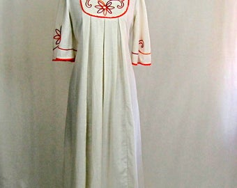 Vintage 1970s Boho White Embroidered Cotton Maxi Dress ~ Chas L. Lewis ~ Medium