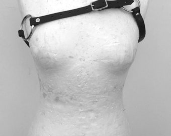 Asymmetrical side harness