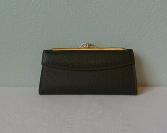 Lovely Vintage Leather Kiss Lock Wallet/Clutch