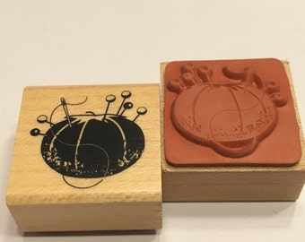 small Pin Cushion rubber stamp, 20 mm (BB4/1)