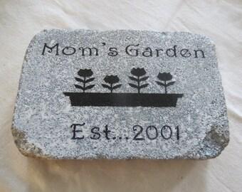 Garden Stone, Mom's Garden, Personalized, Flowers, Birthday, Friend, Gift