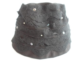 Black linen and lace hat