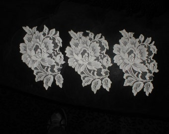 set of 3  LARGE Vintage French Chantilly Lace Appliques ivory