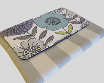MacBook Air Sleeve, MacBook Air Case, MacBook Air 11 Inch Sleeve, MacBook Air 11 Case, MacBook Air Cover Flowers In Grey
