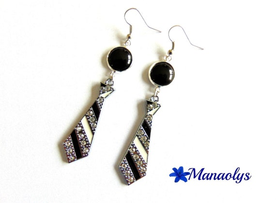 Silver earrings ties and black resin cabochons