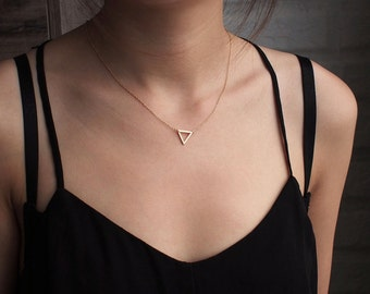 Delicate Triangle Necklace, Dainty Minimal Triangle Outline Necklace, Simple Geometric Layering Necklace in Sterling Silver #D51