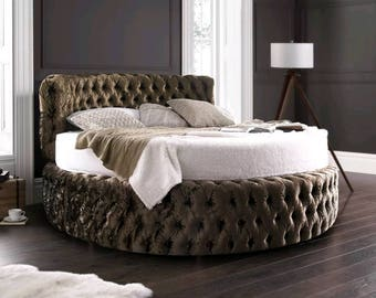Chesterfield 7ft Round Bed