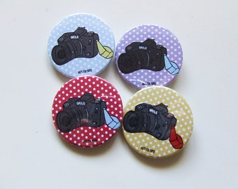 Smile for the Camera Button or Magnetic - 38mm Small Pin - Illustration  - Fridge Decoration - Photography - Pinback Button