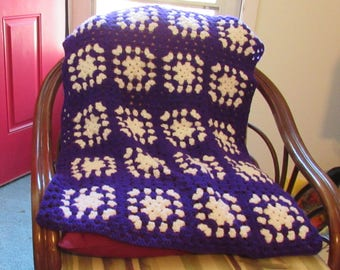 Purple and White Lapghan  28W x 34L