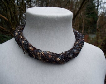 Brown Trellis Yarn Necklace