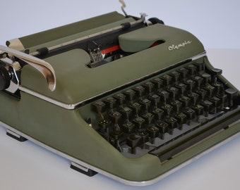 Typewriter OLYMPIA SM 2 - Working typewriter - Typewriter with case