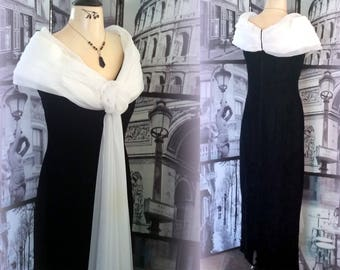 80s - JESSICA McCLINTOCK Maxi Dress - Black Velvet with FABulous White Ruched Chiffon Collar, Rosette and Floor-Length Sash - Size Small